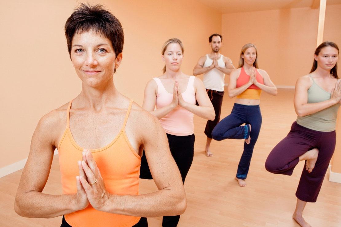 yoga-teambuilding-positiveevents