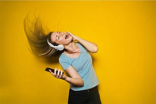 musique-ecouteurs-positive-events-1